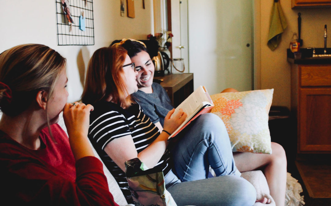 "6 Tips on ""How to be a Good Roommate"""